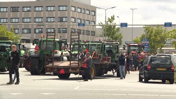 Boerenprotest bij distributiecentrum Albert Heijn
