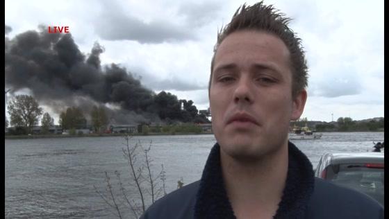 Brand in bedrijfsgebouw Westelijk Havengebied