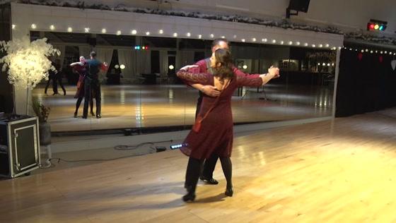 Dansles op afstand