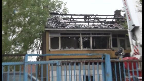 Forensische Opsporing onderzoekt pand aan de Oostzijde na brand