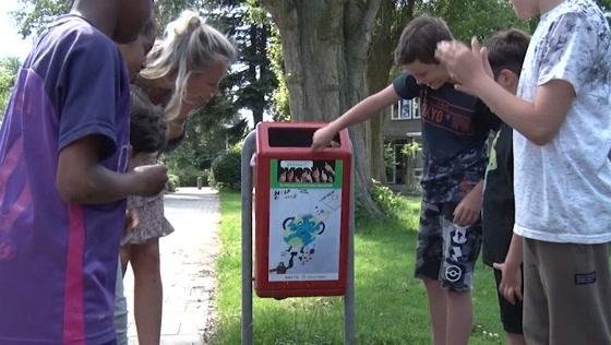 Prullenbakkenkunst in Zaandamse Hofwijk
